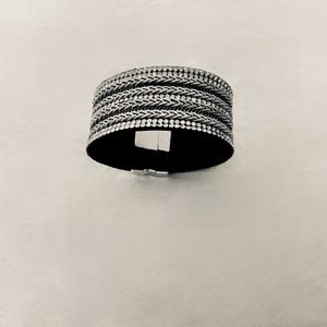 Silver mesh type magnetic clasp bracelet!
